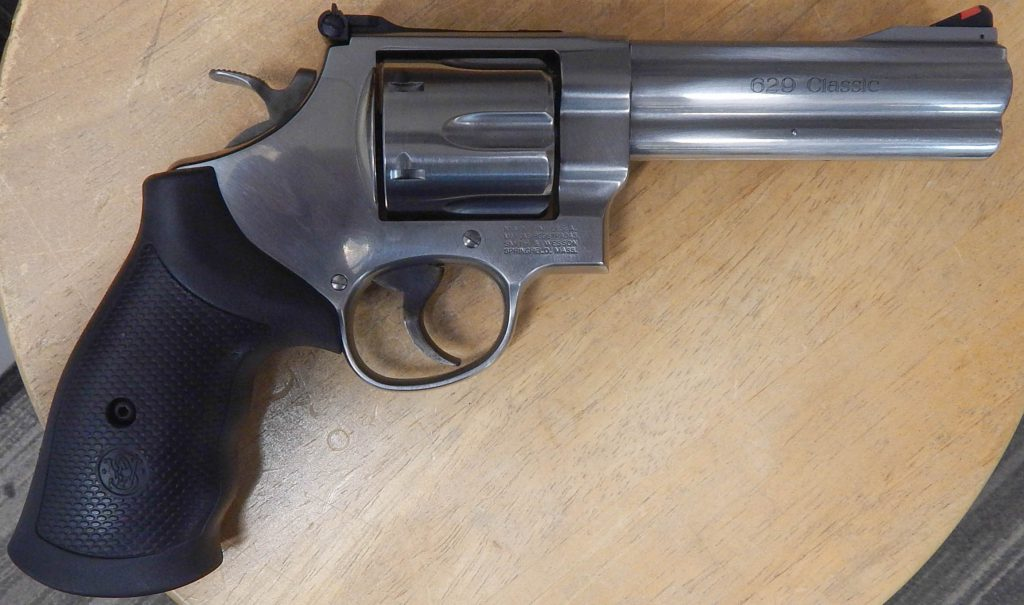 Smith & Wesson M629-6 Classic 5