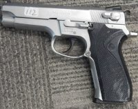 Smith & Wesson 5906 4