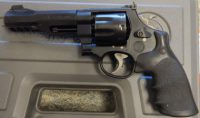 Smith & Wesson 327 Performance Center 5in .357 eight round with moon clips