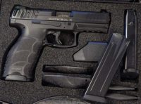 Heckler & Koch VP40 .40sw 4.09in with night sights and 3 mags