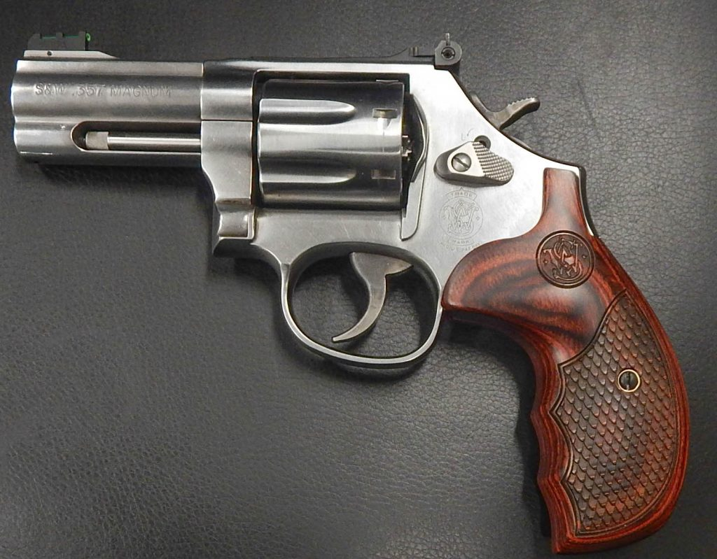 Smith & Wesson 686+ 3