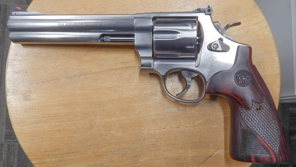 Smith & Wesson 629 Deluxe .44 magnum 6.5