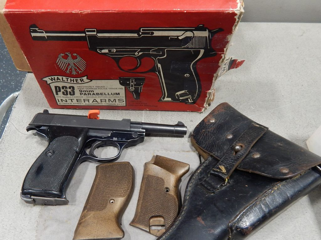 Walther P38 with box, extra grips and holster 5 9mm